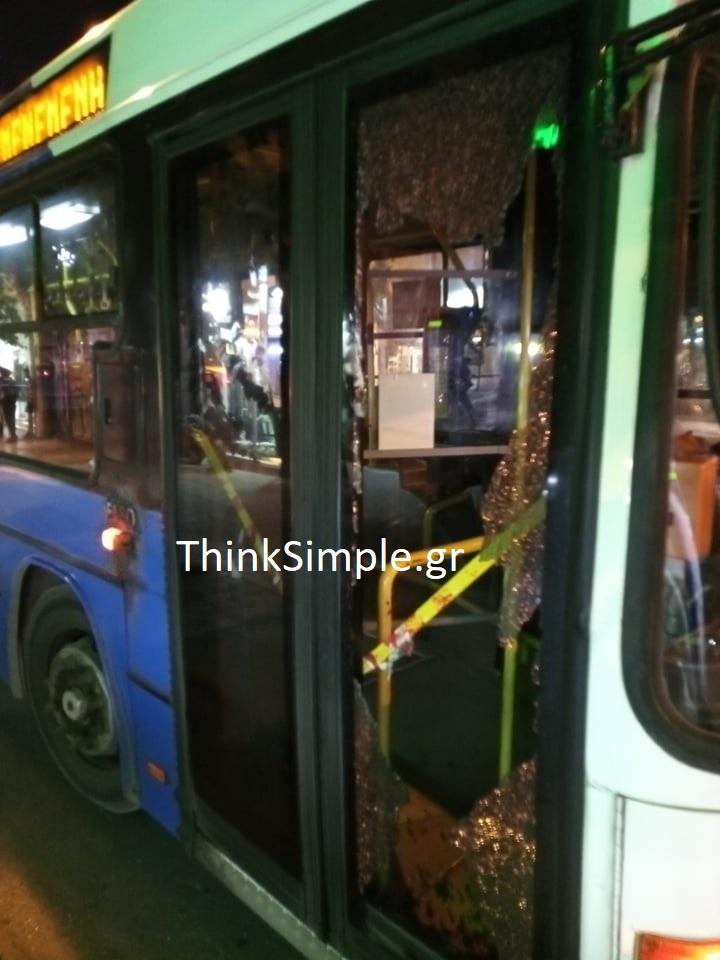 Θεσσαλονίκη: Παρέα έκανε «γυαλιά – καρφιά» λεωφορείο του ΟΑΣΘ (ΦΩΤΟ), φωτογραφία-2