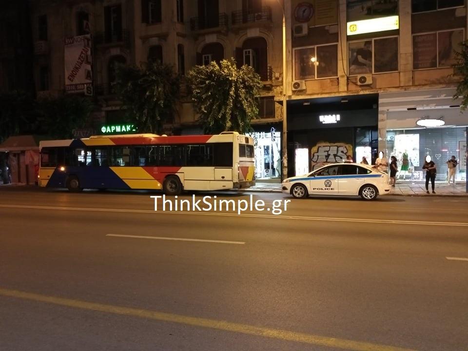 Θεσσαλονίκη: Παρέα έκανε «γυαλιά – καρφιά» λεωφορείο του ΟΑΣΘ (ΦΩΤΟ), φωτογραφία-6